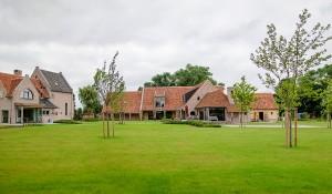 Landhuis met bijgebouwen, Kleit